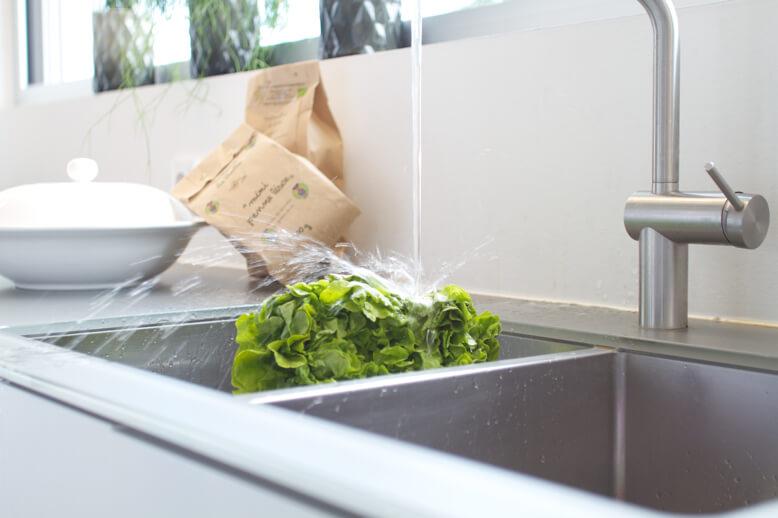 - Küchenarbeitsplatte aus Antiscratch-Glas