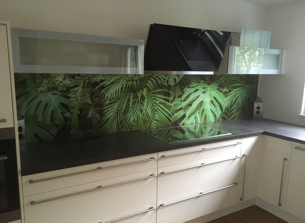 Küchenrückwand eloxiert Dschungel Motiv
